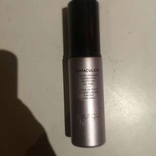 PENDING Hourglass Immaculate Foundation