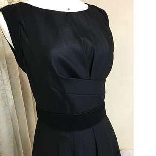 專櫃品牌 流行秀FASHION SHOW 高級剪裁氣質修身洋裝m號(黑)~原價1萬多