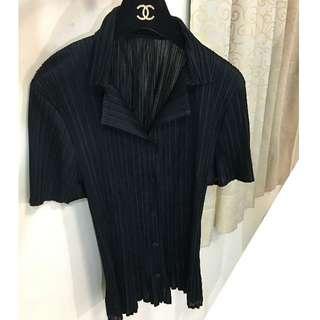 日本設計師 松岡正樹MASAKI MATSUOKA 三宅PP黑色有領開扣褶衣