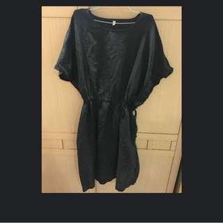 麻紗材質黑色洋裝