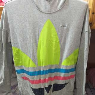 Adidas長袖灰色帽T$599