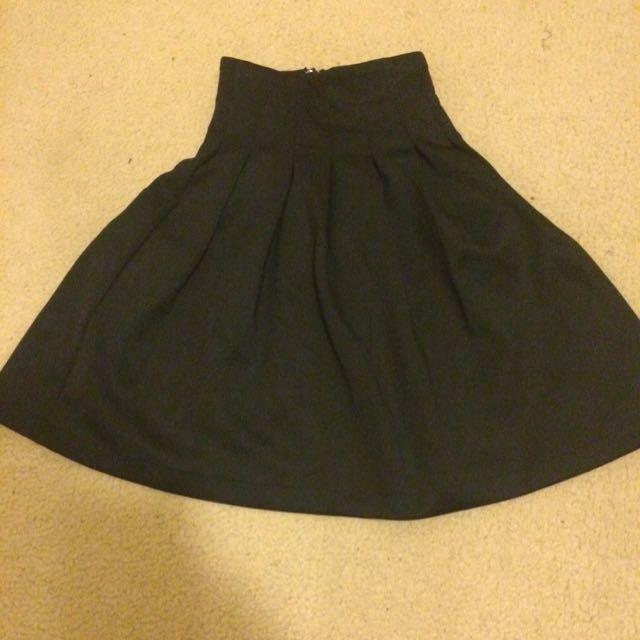 3xs Supre Skater Skirt.