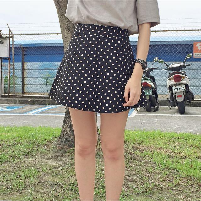 黑色圓點點短裙