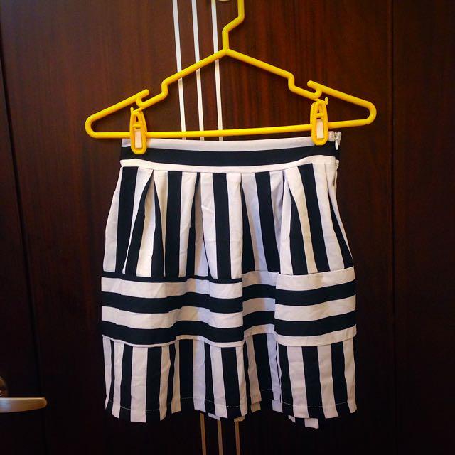 韓風感😍滿版條紋短裙