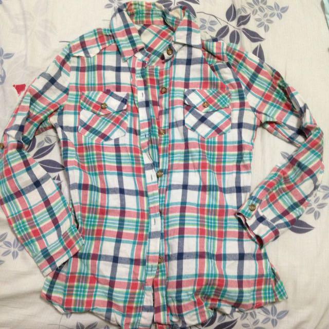 綠紅彩格襯衫