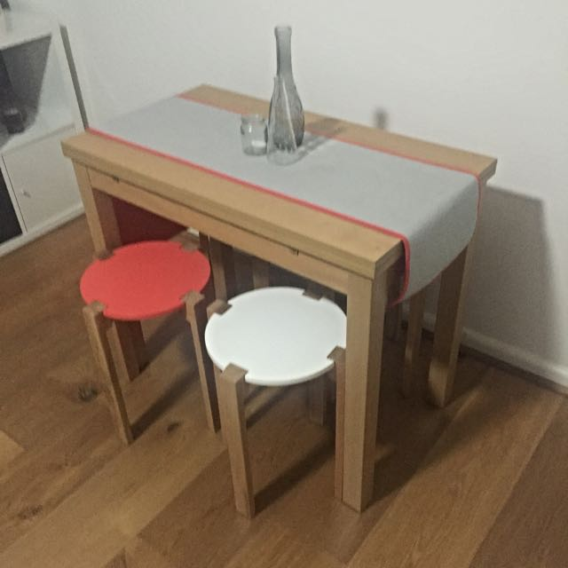 Dining table & 4 Stools