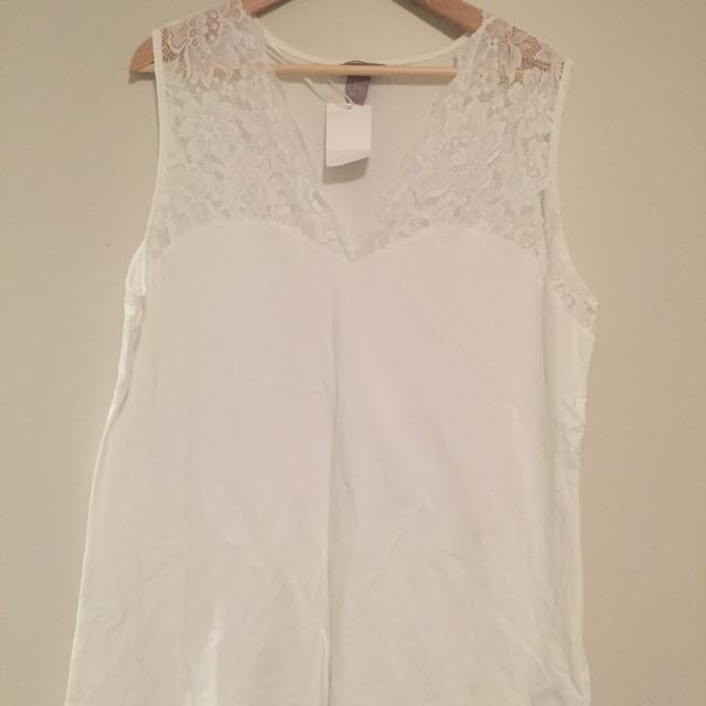H & M Sleeveless Lace Top