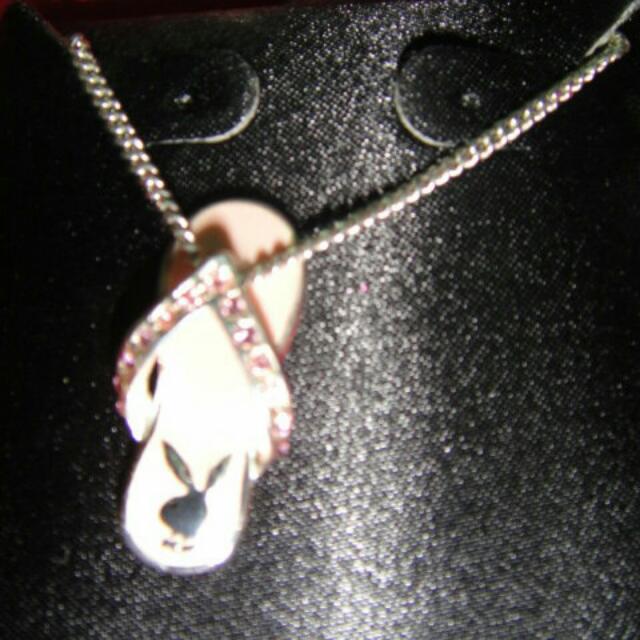 Playboy 粉紅色夾腳拖鞋造型項鍊