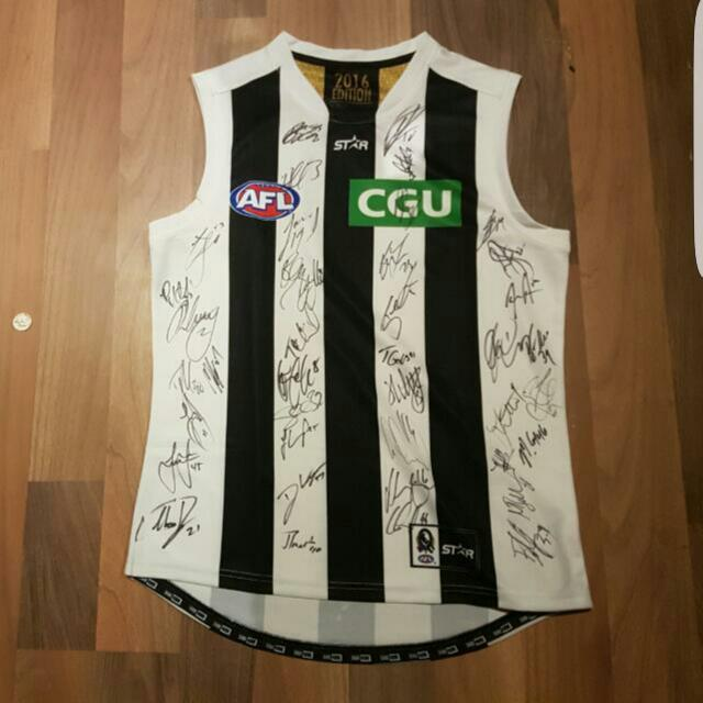 Signed 2016 Collingwood Away Guernsey