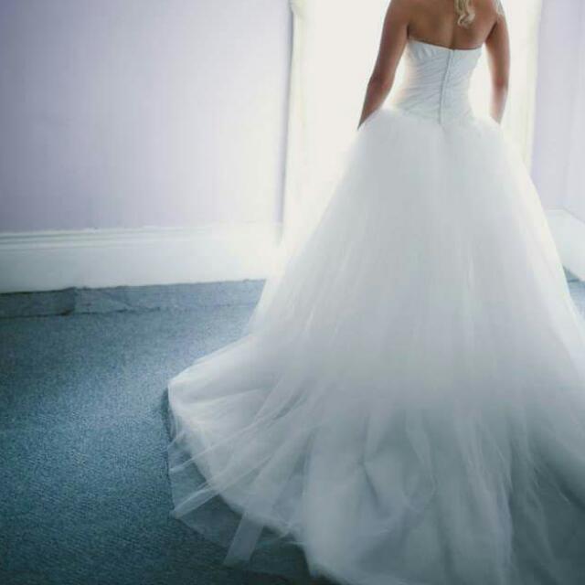 Vera Wang White Wedding Dresd