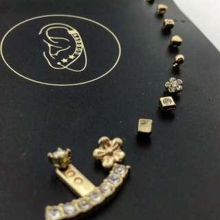 Bershka 歐美 金屬 水鑽 花朵 耳環 十入 組 $150