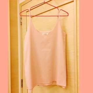 粉色細肩帶上衣