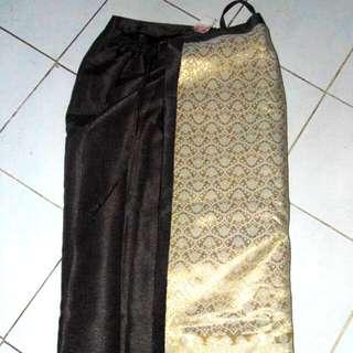 Celana Rok Songket