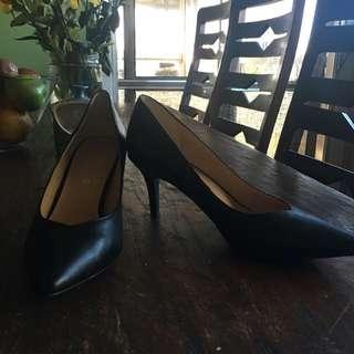 Corelli Size10 Court Shoes