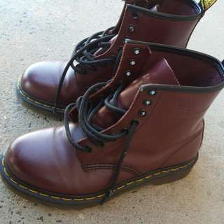 DR MARTIN BOOTS