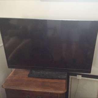 40 Inch INSIGNIA HDTV FOR SALE