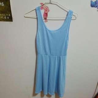 素色傘洋裝
