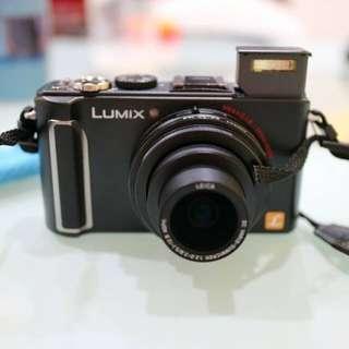 我發現超棒的東西『Panasonic LUMIX LX3類單眼相機 LEICA鏡頭』,售價NT$ 5,000!