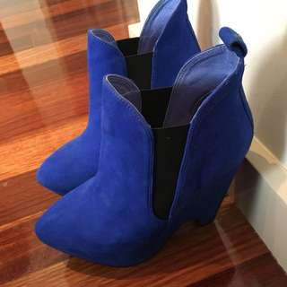 Skin Booties Size 6