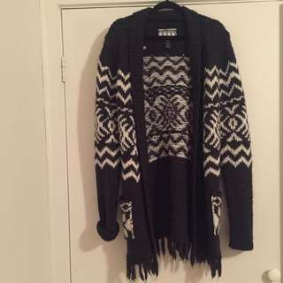 Grey & White Woollen Knitted Cardigan / Jacket