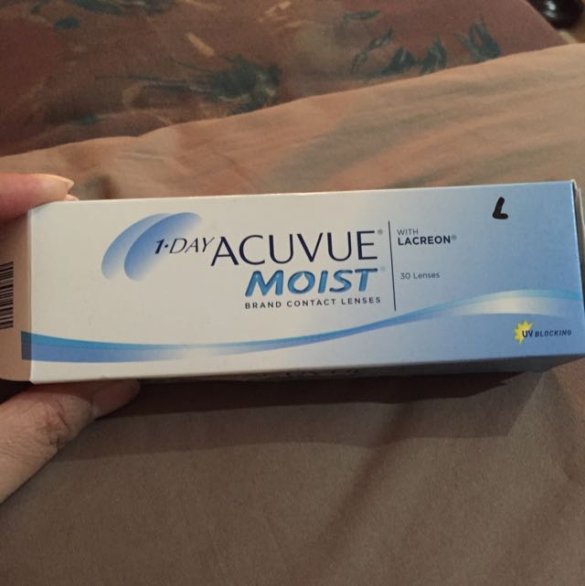 1-Day Acuvue Moist Clear Contact Lens