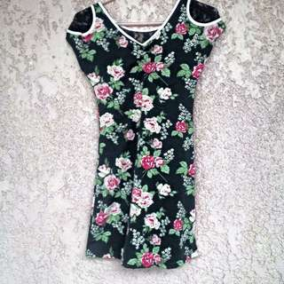Floral Dress With Lace Detail