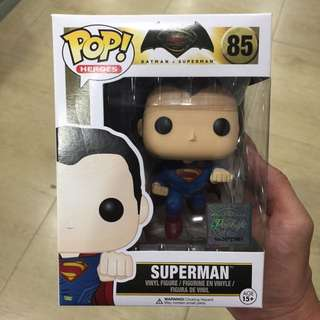 GiveAway POP! Heroes Vinyl Figure: Superman