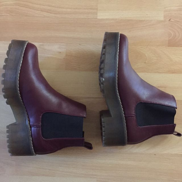 NEW Burgundy Chelsea Boots Size 37 (Aus Women's 7)