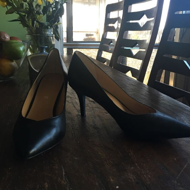 Corelli Size10 Court Shoes