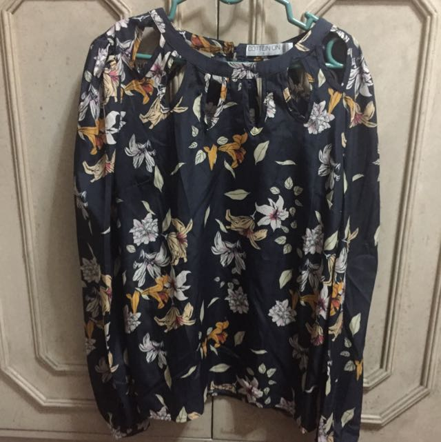 Dark Blue Floral Long Sleeves Top