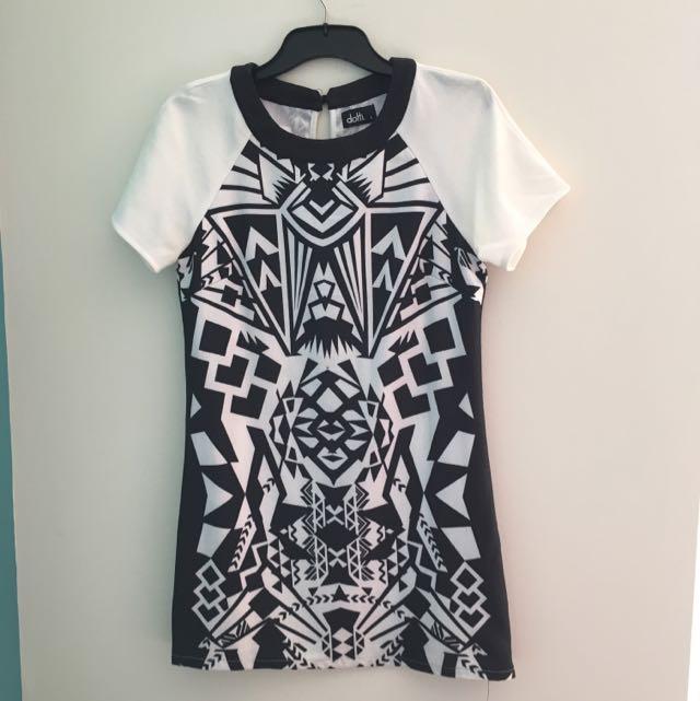 Dotti Aztec Dress Size 6