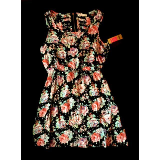 Floral Cutout Back Dress (Large)