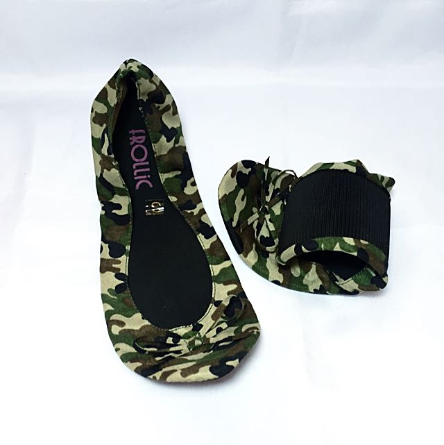 Frollic Footsie Roll Camouflage Shoes