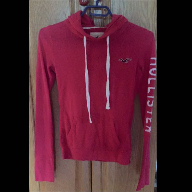 Hollister Pull Over
