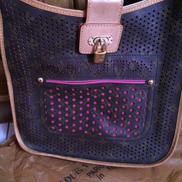 LouisVuitton Sling Bag (Replica)