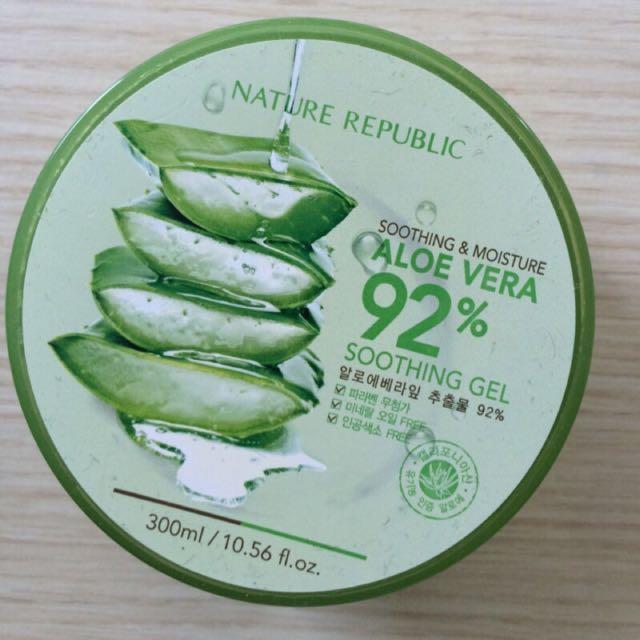 Natural republic 92% 蘆薈補水修護保濕凝膠