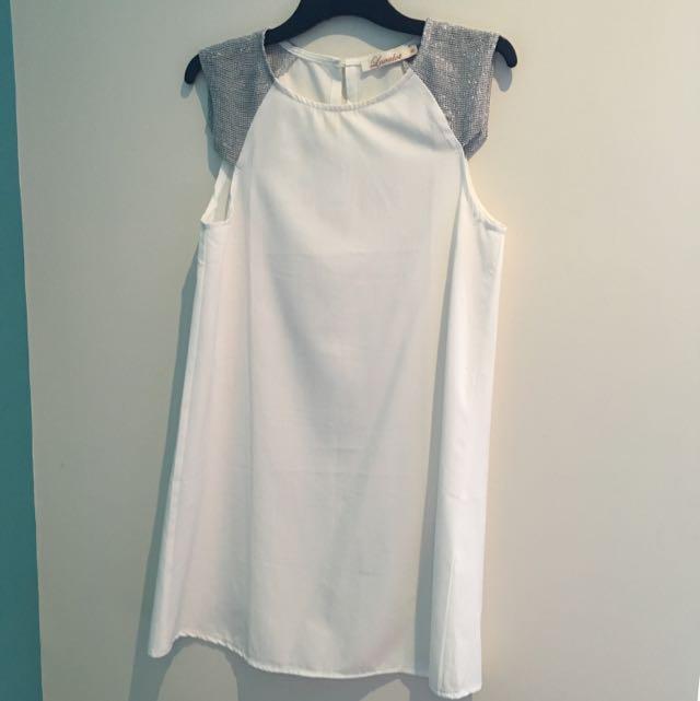 White Angelic Dress Size 6