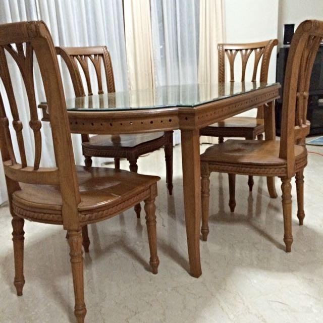 Wooden Dinning Table @4 Chairs