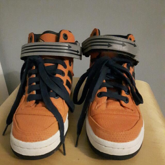 Youth Size 7 Male Adidas High Tops