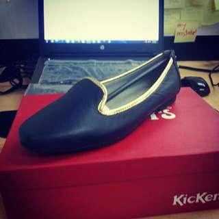 Kickers Flat Shoes Size 7 (original price 3200)