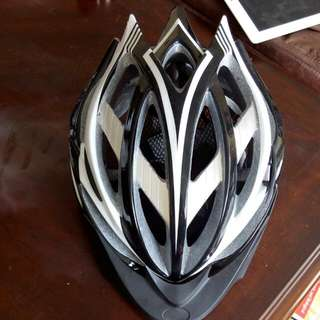 Lightweight Strong Cycling Helmet