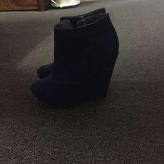 Dark Blue. Size 6.
