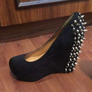 Spurr Size 7 Spiky Wedges