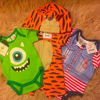 3x Baby Rompers