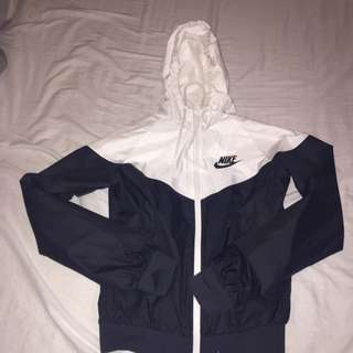 Nike Windbreaker SOLD PENDING