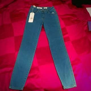 Size 7 Wrangler 'Ziggy Jean'