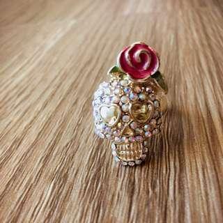 全新BetseyJohnson 玫瑰花ㄦ骷髏水鑽戒指