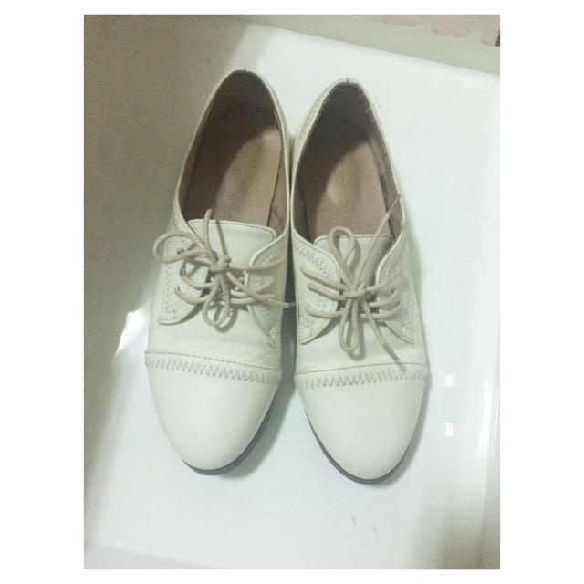 🌺皮革小白鞋24.5