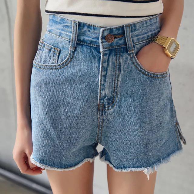 新款顯瘦簡約高腰牛仔短褲女式薄款A字型短褲