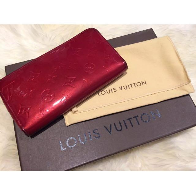 Authentic Louis Vuitton Monogram Vernis Zippy Wallet
